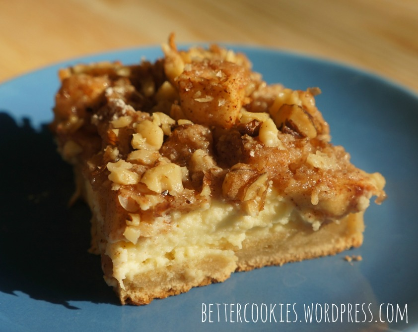 Apple Streusel Cheesecake Bar